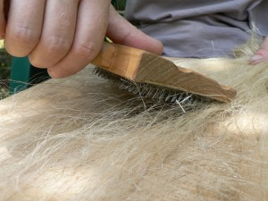 fine hetchel with wool carder